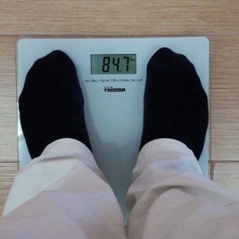 Poznaj 5 praktycznych rad, które pomogą Ci zrzucić nadprogramowe kilogramy