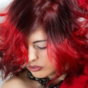 Jak farbować włosy w domu Jak dobrze dobrać kolor farby do włosów