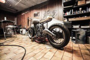 garaż na motor